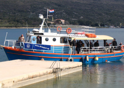 dive-center-krk-tagestour-boot-vojga